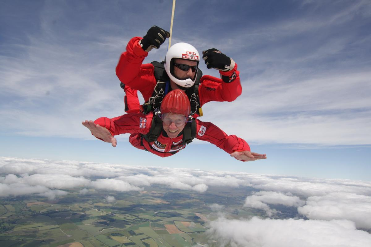 2016-2017 Thame Rotary Charity Donations - Erroll Bateman's charity sky dive