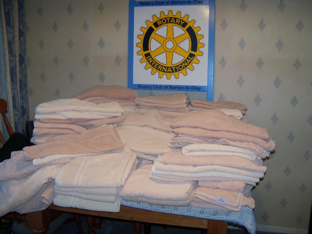 Donation of towels to the NOAH Welfare Centre -