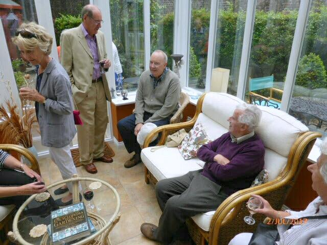 President's at Home 2017 - Club members having a chat.
