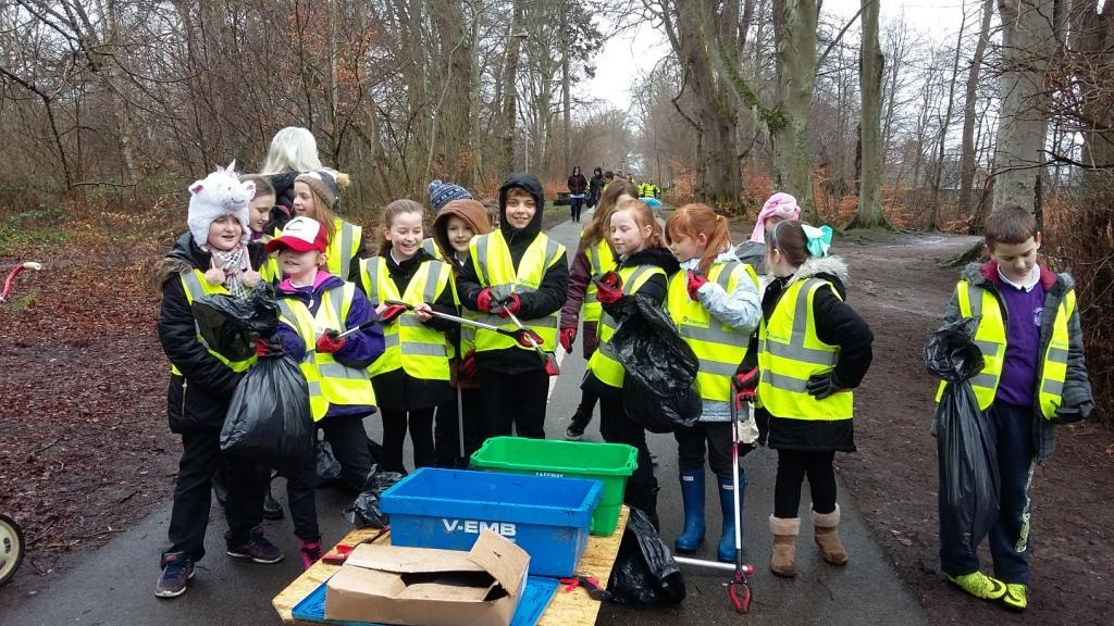 Gruffalo Litter Pick - Duncan Forbes pupils year 5 and 6