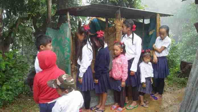 A project to fund the replacement the very basic sanitation facilities at Shree Balaranjan Primary School in central Nepal to be complete by May 2018