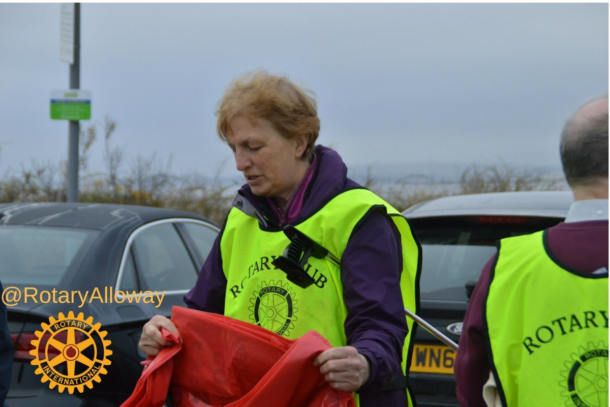 Beach Clean 2017 - Collecting Bags, Gloves, Pick-up Sticks and Visible Tabards before setting off