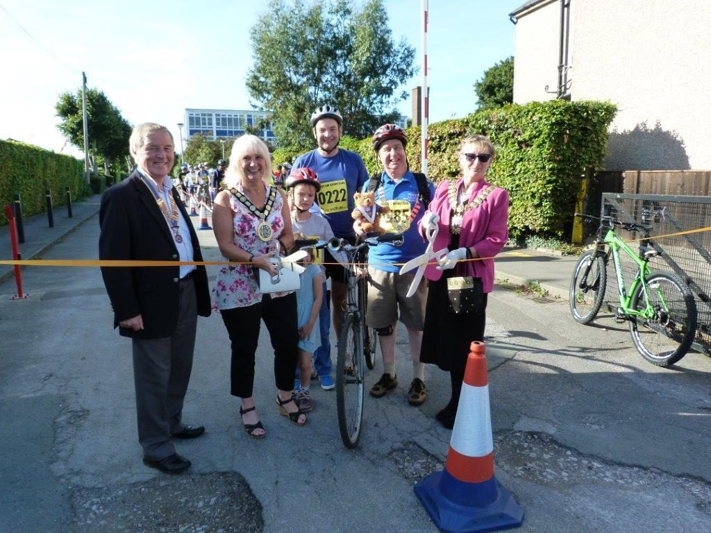 Our President Chris Bailey, DG Terry Dean, Chair of Rochford District Council, Mayor of Southend on Sea and our Local MP at the start of the 2016 Foulness Bike Ride