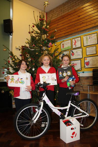 Primary School Be Safe, Be Seen Campaign - Winner Bess, year 5, Eynsham Primary School, and runners-up