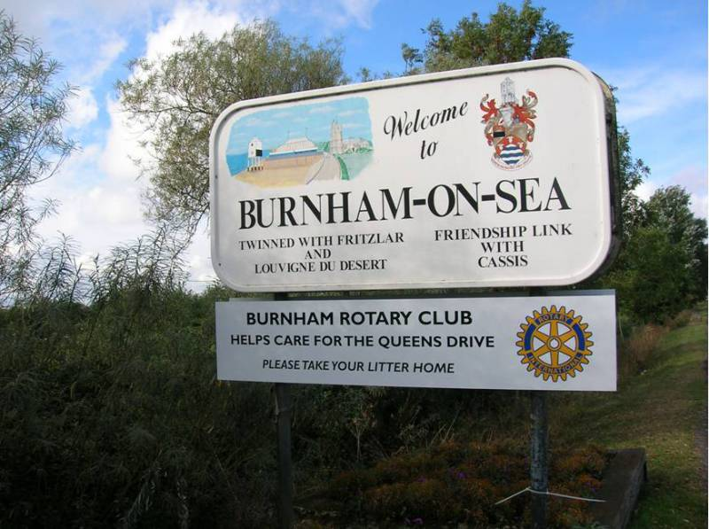 The Queens Drive - Burnham-on-Sea Town Signs on the Queens Drive