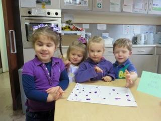 Callander Nursery Children taking part in 'Purple for Polio'