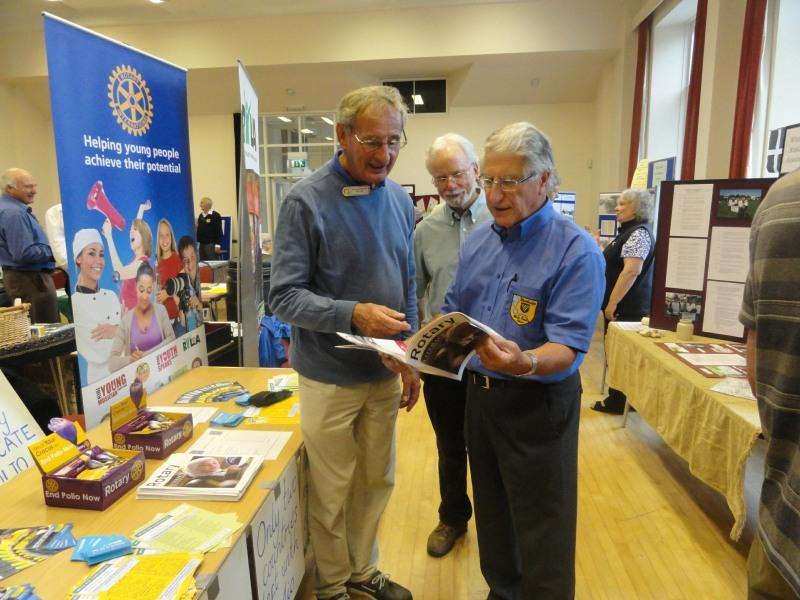 Rotarian Tim Lunt giving information