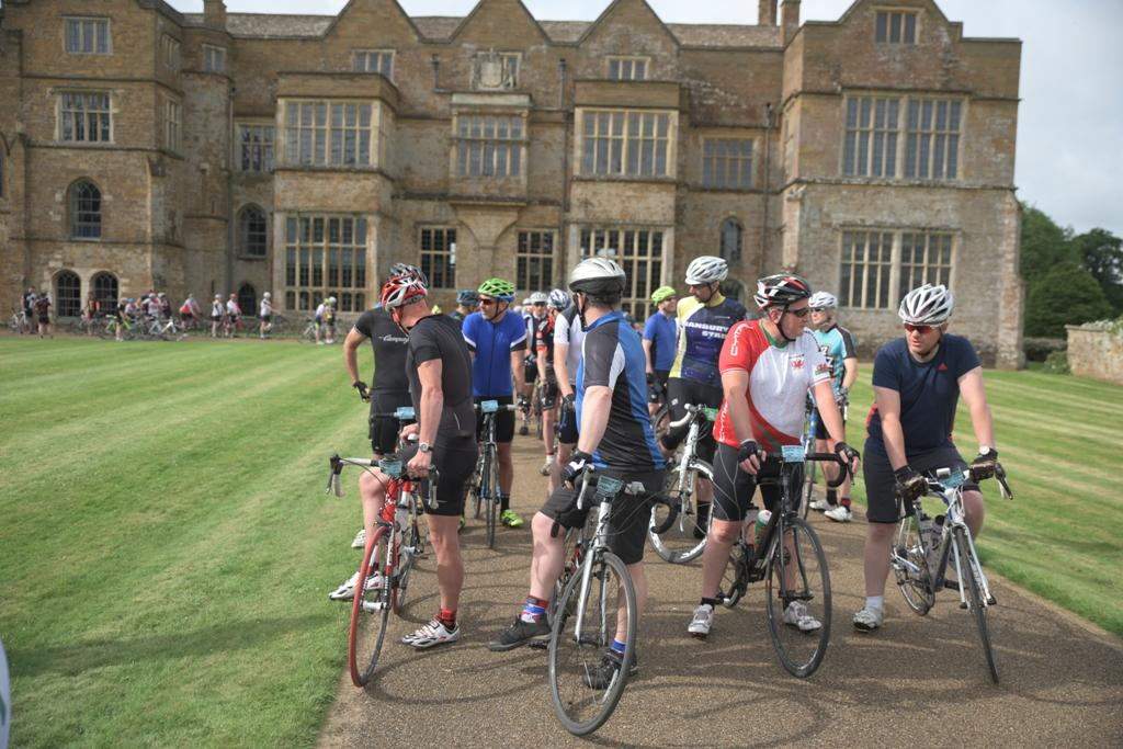 Thank You to the 700 riders who took part in the 2017 Broughton Castle Sportive - Gathering at the start.