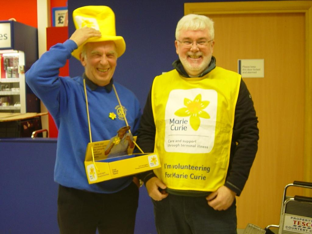 Club President Reg Dunbar and our most recent new member Mick Kampff having fun at the collection.