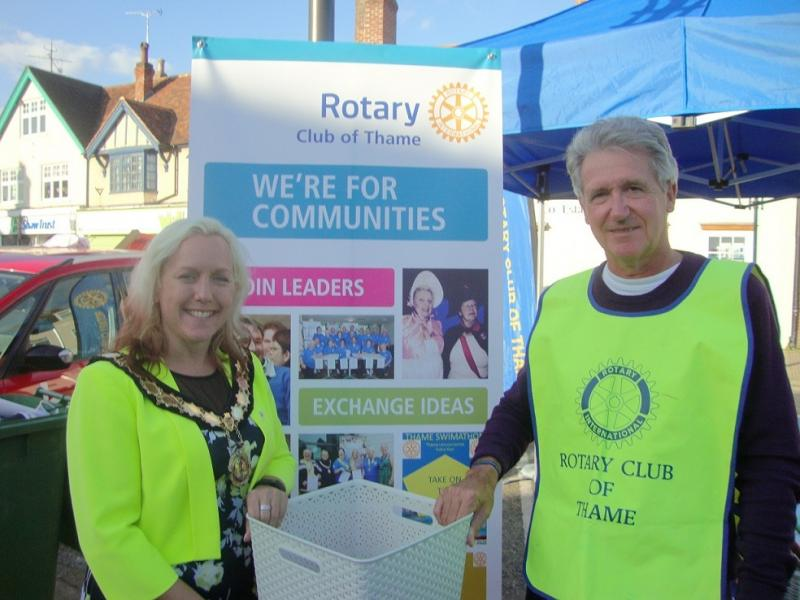 Thame Rotary at Thame Food Festival - Nichola Dixon and Peter Hook