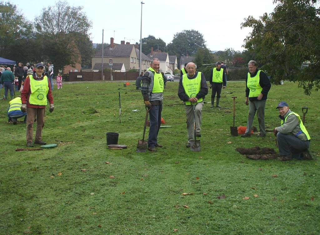 Bulb planting in Nailsea - Club members taking a short break for a photo call