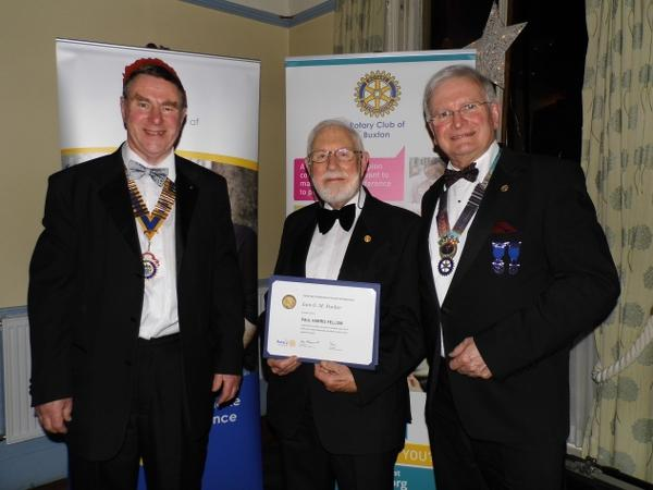 2015 President's Evening - Rtn Iain Parker receives a Paul Harris Fellowship