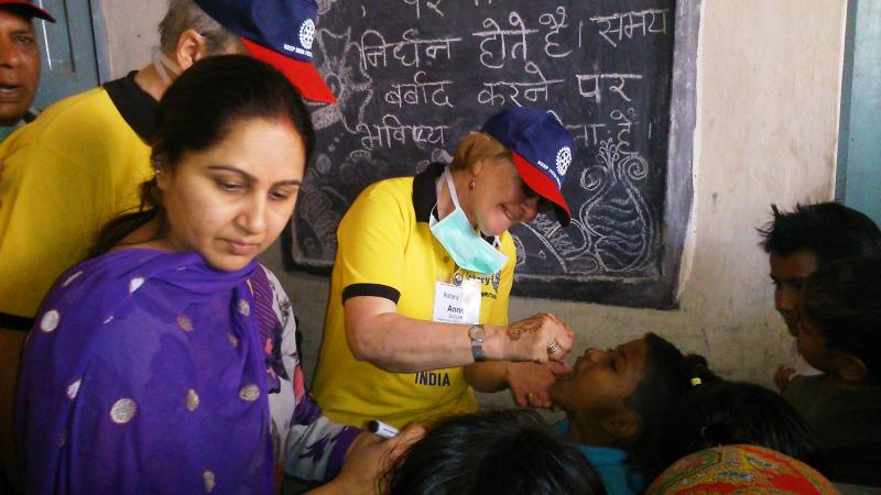 Saltburn member Anne Sadler immunising children in New Delhi, India