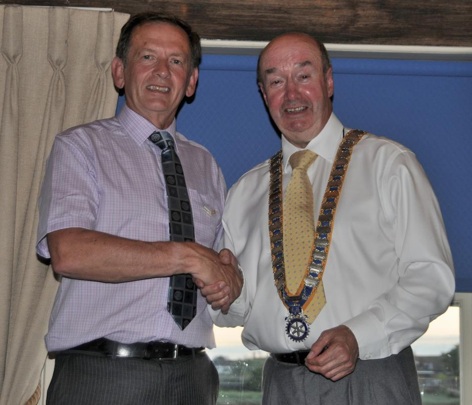 Handover Night June 2018 - Ken hands over the presidency to Robert
