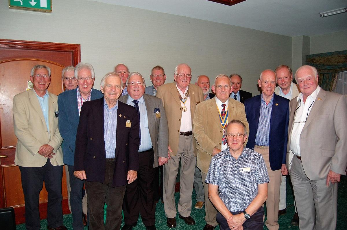 Fleet Rotary visit RC of Easthamstead -