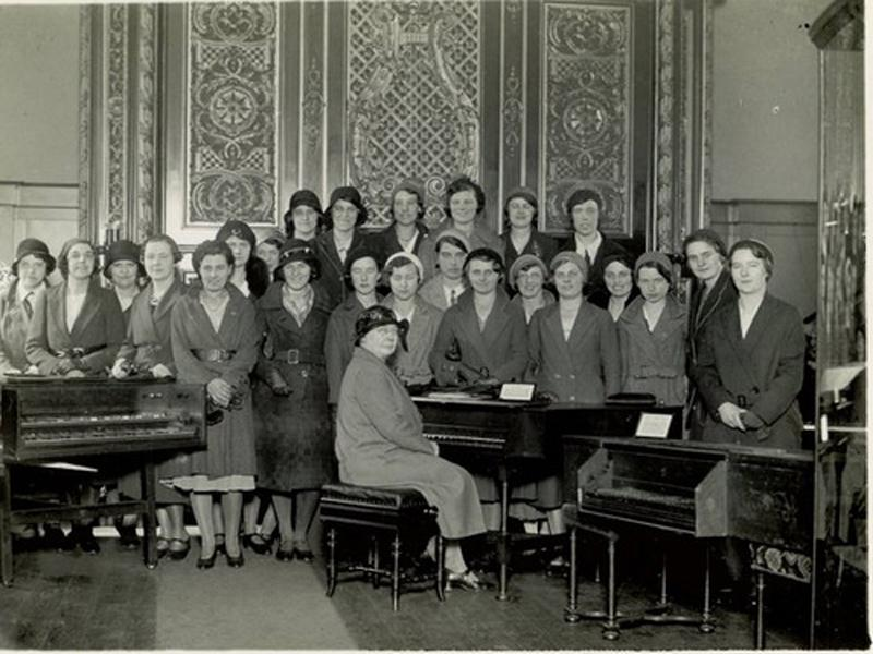 Miss M. Deakin & Students, Edge Hill Training College. 6th June 1932