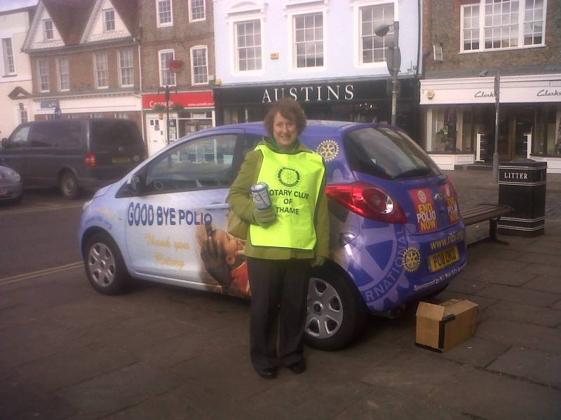 Thame Rotarians and the Poliomobil at the Thame Town Hall