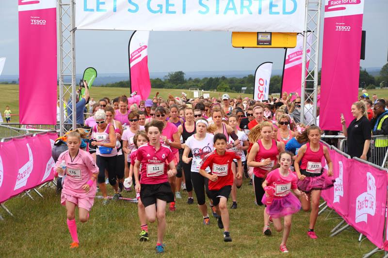 Race for Life 2015 raise £256,000 - The start of the race