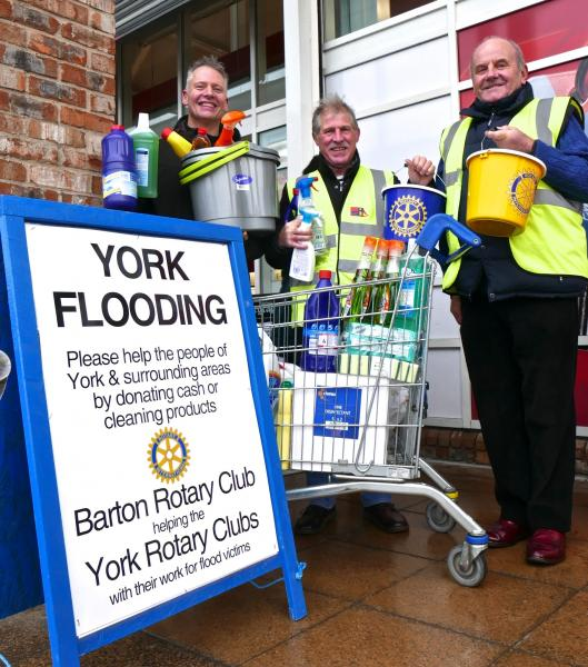 THE FLOODS - YORK AREA - Collecting at Tesco's
