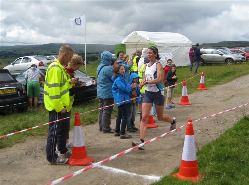 Herriot Run 2012 Report - Winning Lady