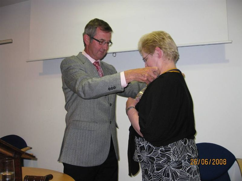 2008 Presidential Handover - New President Margaret Clark receives her Chain of office from David Hill