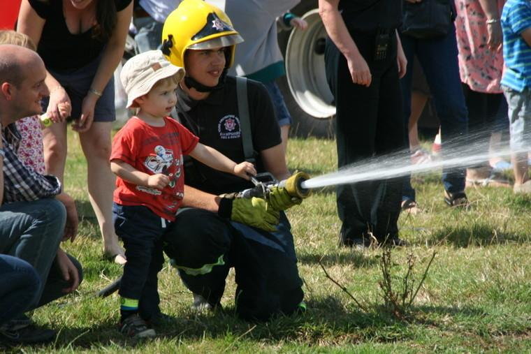 ODIHAM FIRE SHOW  (Photos from 2015 show) - The Kids just love it !!!