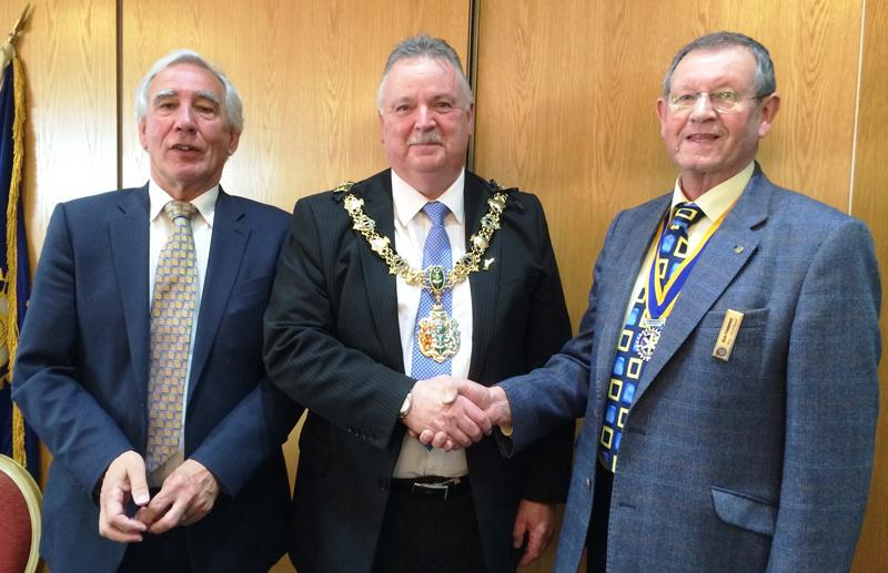 Mayor Councillor Les Rowlands centre, President Bob Fiddaman right and Past President John Lennox left
