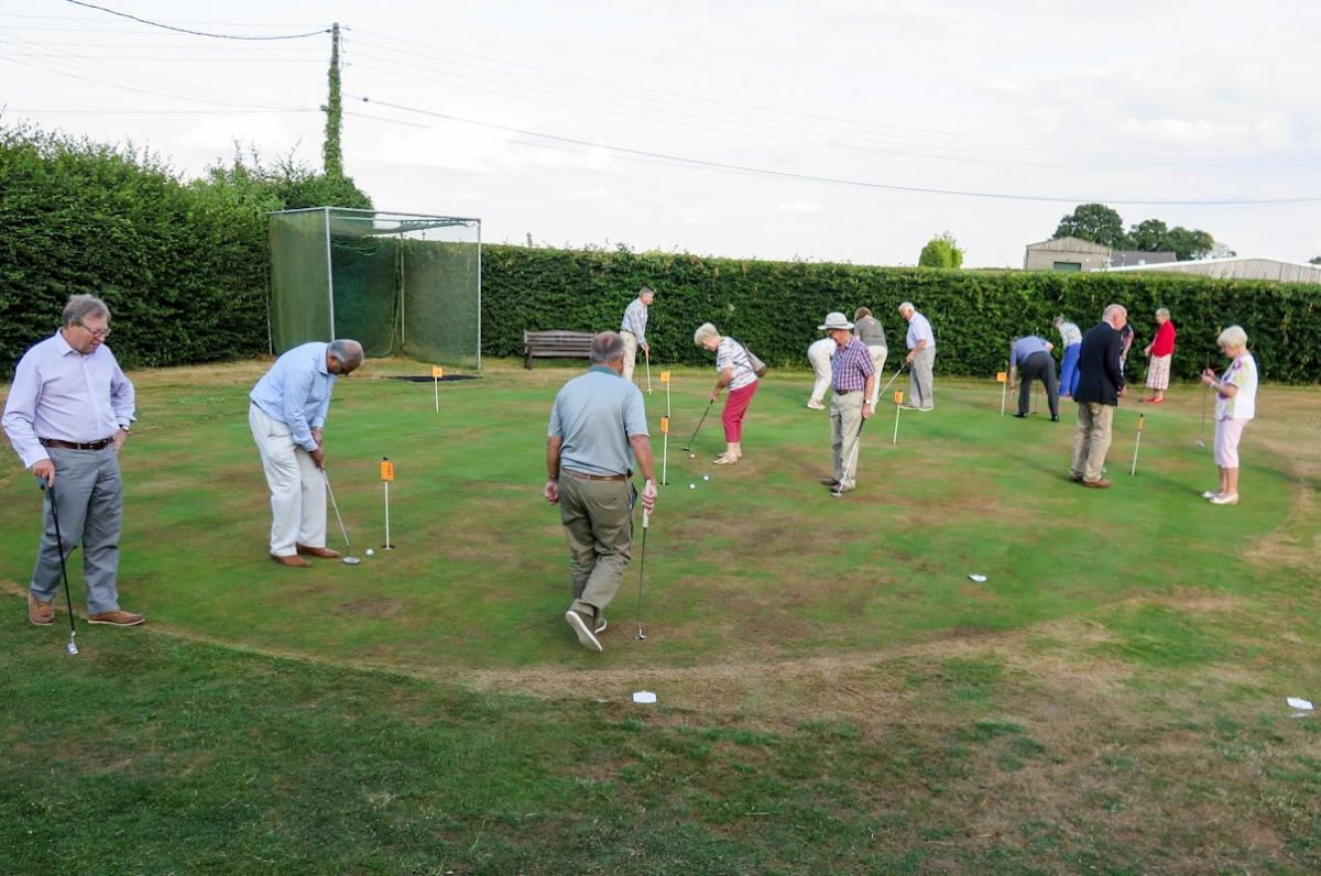 Golf Day and Inner Wheel Putting Evening - Inner Wheel Putting Evening