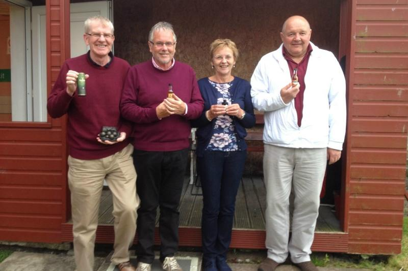 Another successful Bowls evening at Dunfermline Northern Club - Winning rink of Robin Park, Donald Mackay, Sheila Park and Bill from the club who helped us out with tuition.