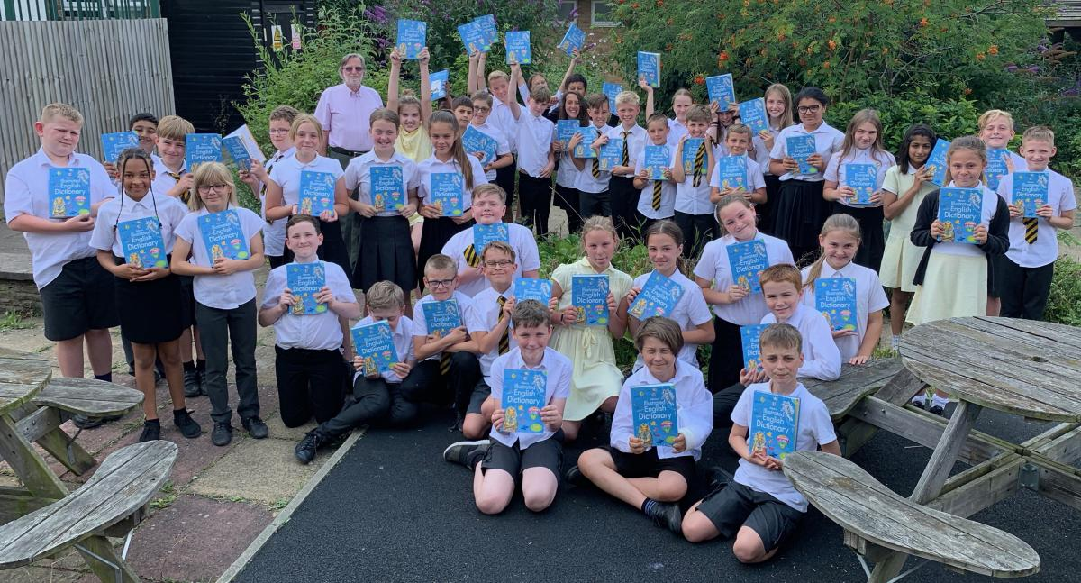 Werrington Primary School Year 6 with their Usborne dictionaries