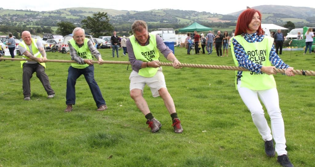 Rotarians & friends - Fayre 2017 - Tug of war fun