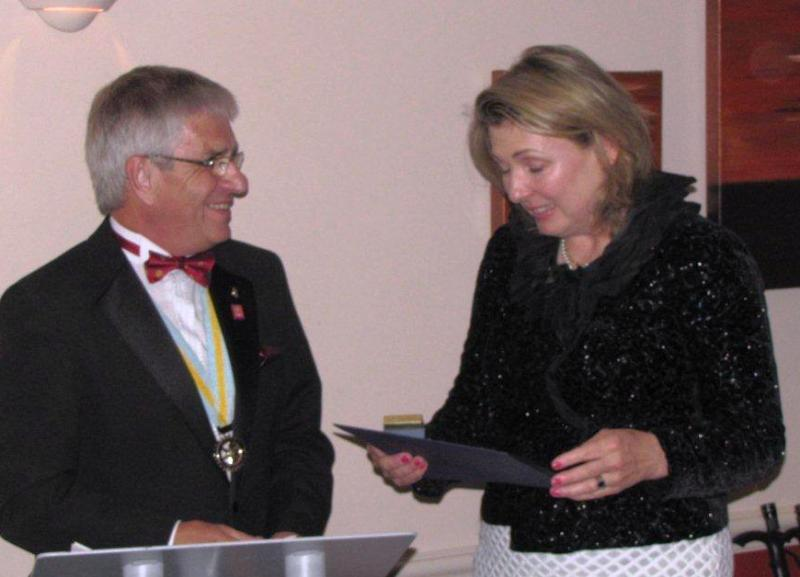 President's Dinner 23 June 2014 - The Countess of Carnarvon receiving the Paul Harris Award