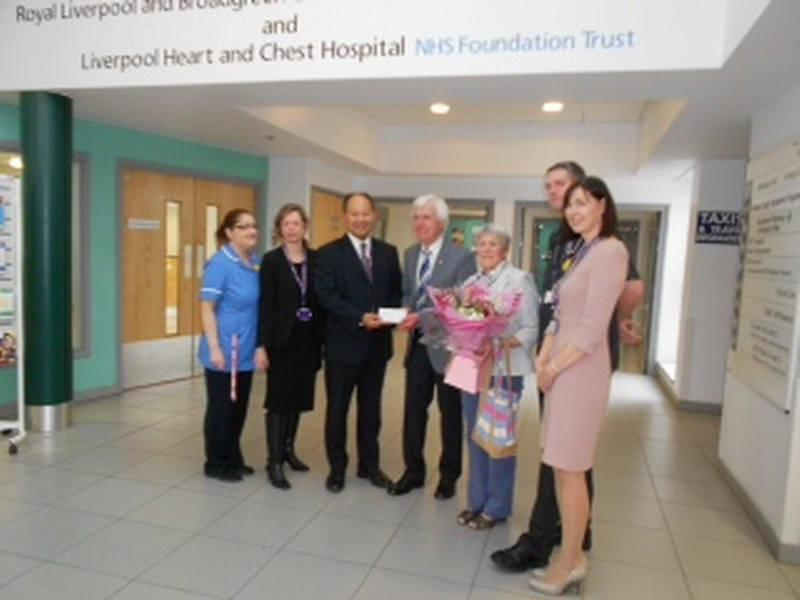 Graham and Marilyn with the team from Liverpool Heart Hospital