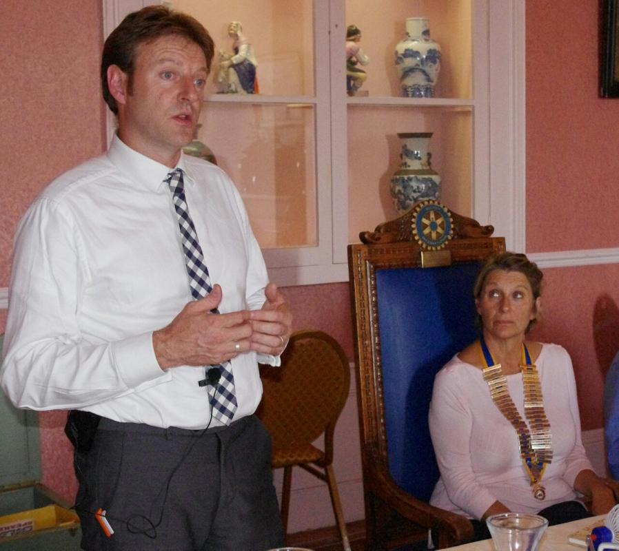 Derek Thomas MP addresses a Rotary Lunch Meeting chaired by President Prue Willday