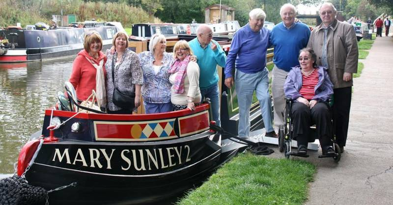 Guests and club members enjoy a day on the canal