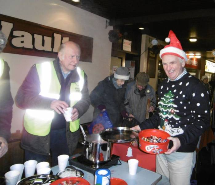Handing out mulled wine