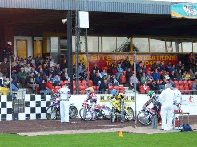 Speedway Night - And there aff !!