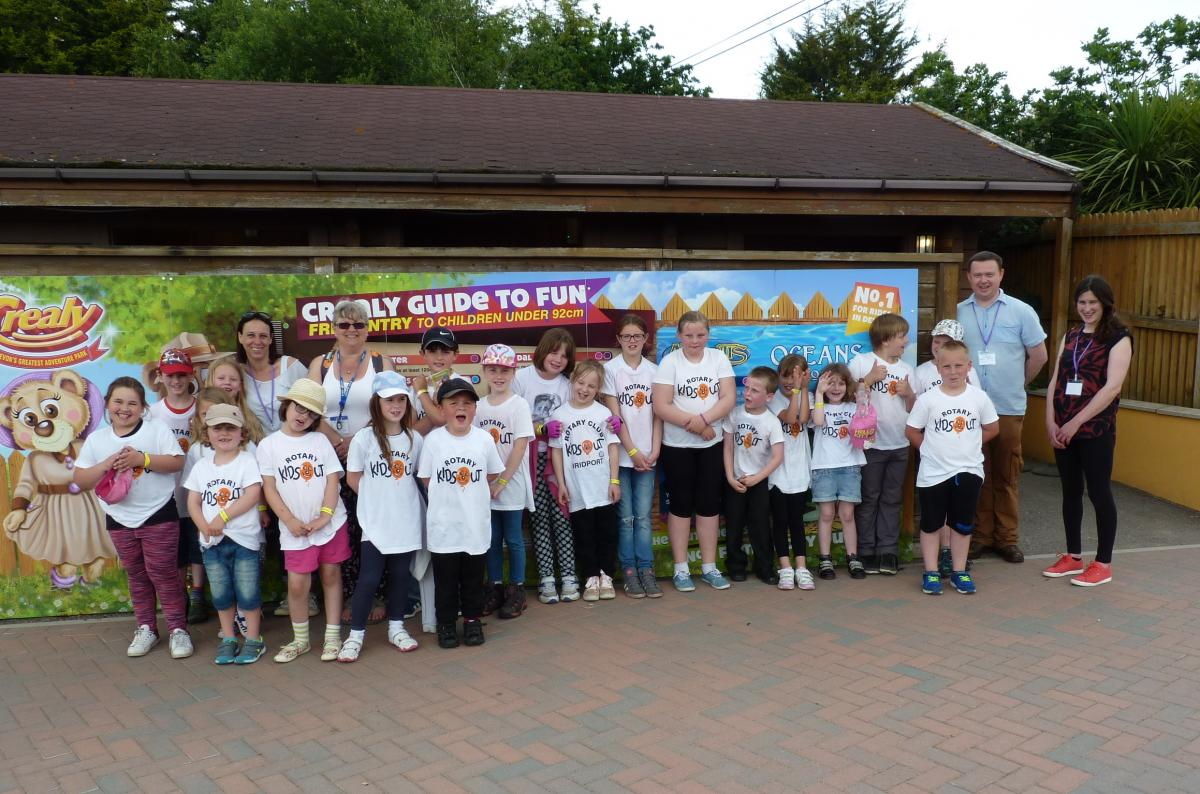 Lots of fun and a great day out for 30 of our local children visiting Crealy Park, Exeter