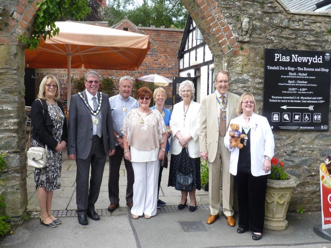 Fund Raising - Fete Dignitaries (left to right) Susan Scott, Peter Scott (Vice Chairman of Denbigh Council), Rick Tynan, Sheena Burrell (Llangollen Mayor), Carol Tynan (District Chairman Inner Wheel), Val Cartwright, Gethin Davies and Molly Youd.