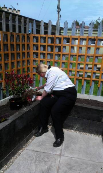 Hartsdown College Project - The planting gets under way