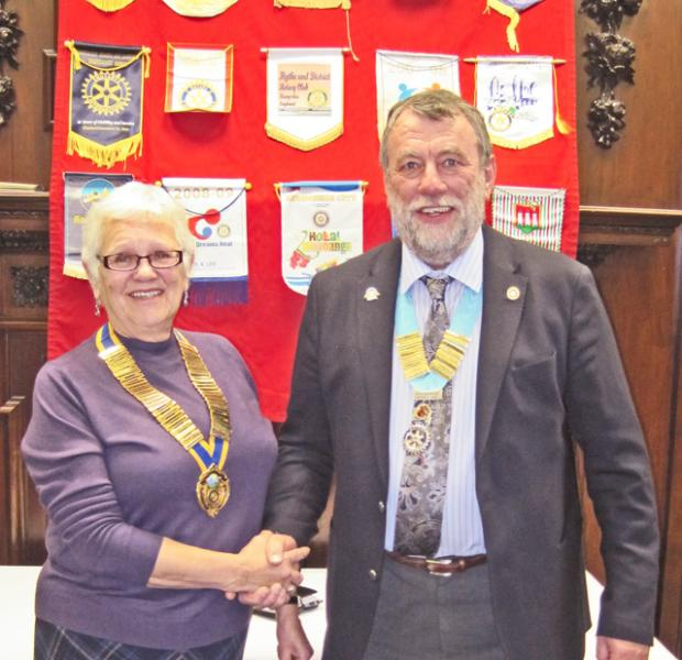President Maggie welcomes District Governor Chris Williams