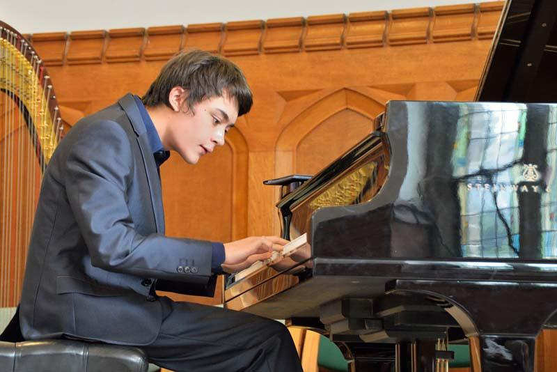 Robert wins RIBI Young Musician!   -