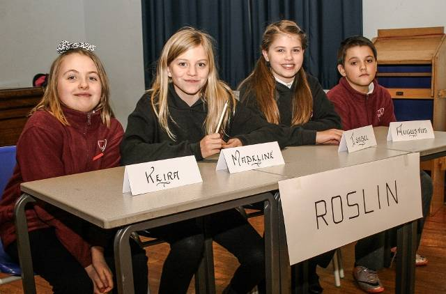 Primary School Quiz - Club round - The team from Roslin Primary who after a tie break round and then a 'sudden death' ultimate tie break question emerged as winners. Mauricewood Primary School were in second place with a score that in other circumstances would have won the competition.