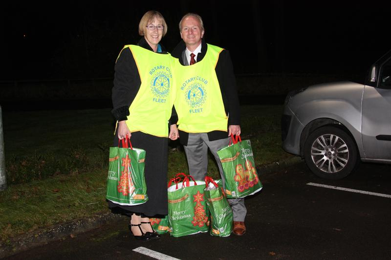 Fleet Rotary Christmas Hampers 2014 - Rotarians ready with our Christmas hampers