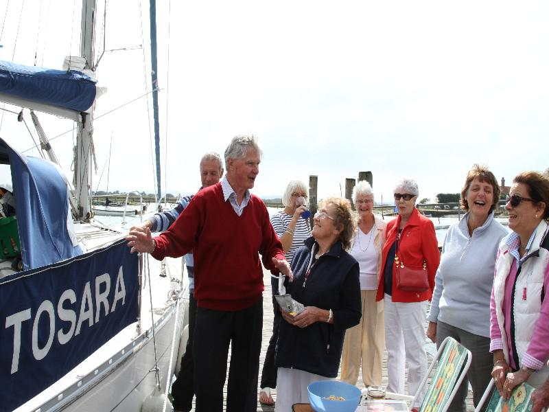SAILAWAY TO GINS ON THE BEAULIEU RIVER  -