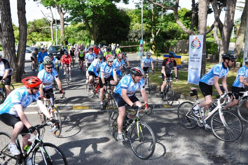 Rotary Ride for Prostate Cancer - Cyclists leaving The Marine Hotel.