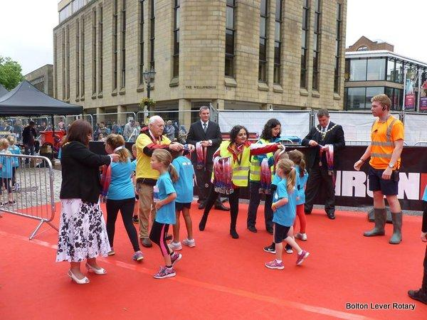 Handing out the medals at Bolton Ironkids 2016 with the Mayor