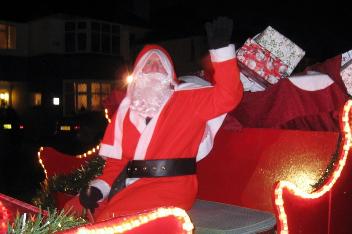 Santa and his Sleigh coming to Pinner!