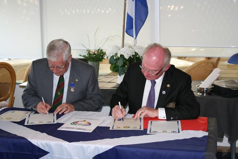Club Twinning - Signing the Twinning Charter May 2012