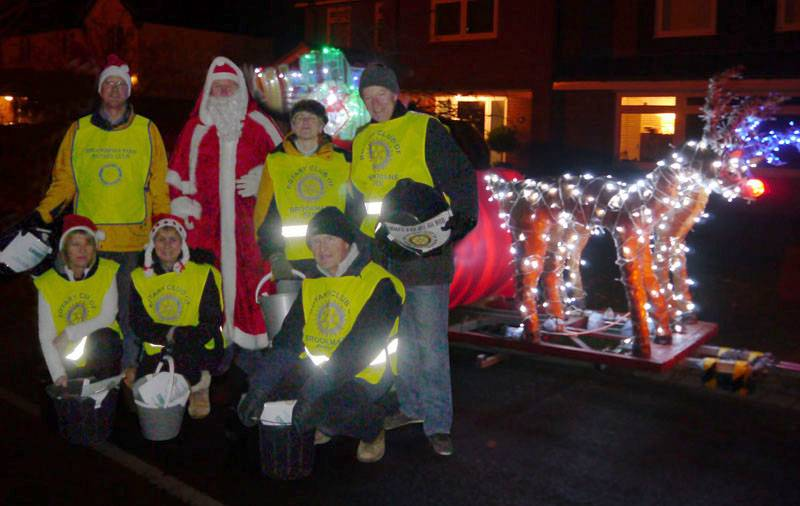 One of the collecting teams with the sleigh.